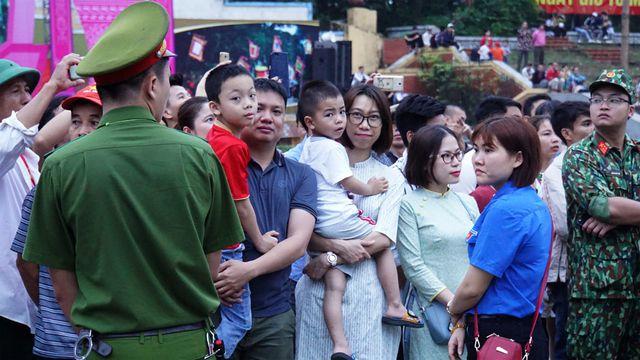 Chủ tịch Quốc hội Nguyễn Thị Kim Ngân dự lễ dâng hương các vua Hùng 4