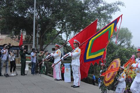 Chủ tịch Quốc hội Nguyễn Thị Kim Ngân dự lễ dâng hương các vua Hùng 1