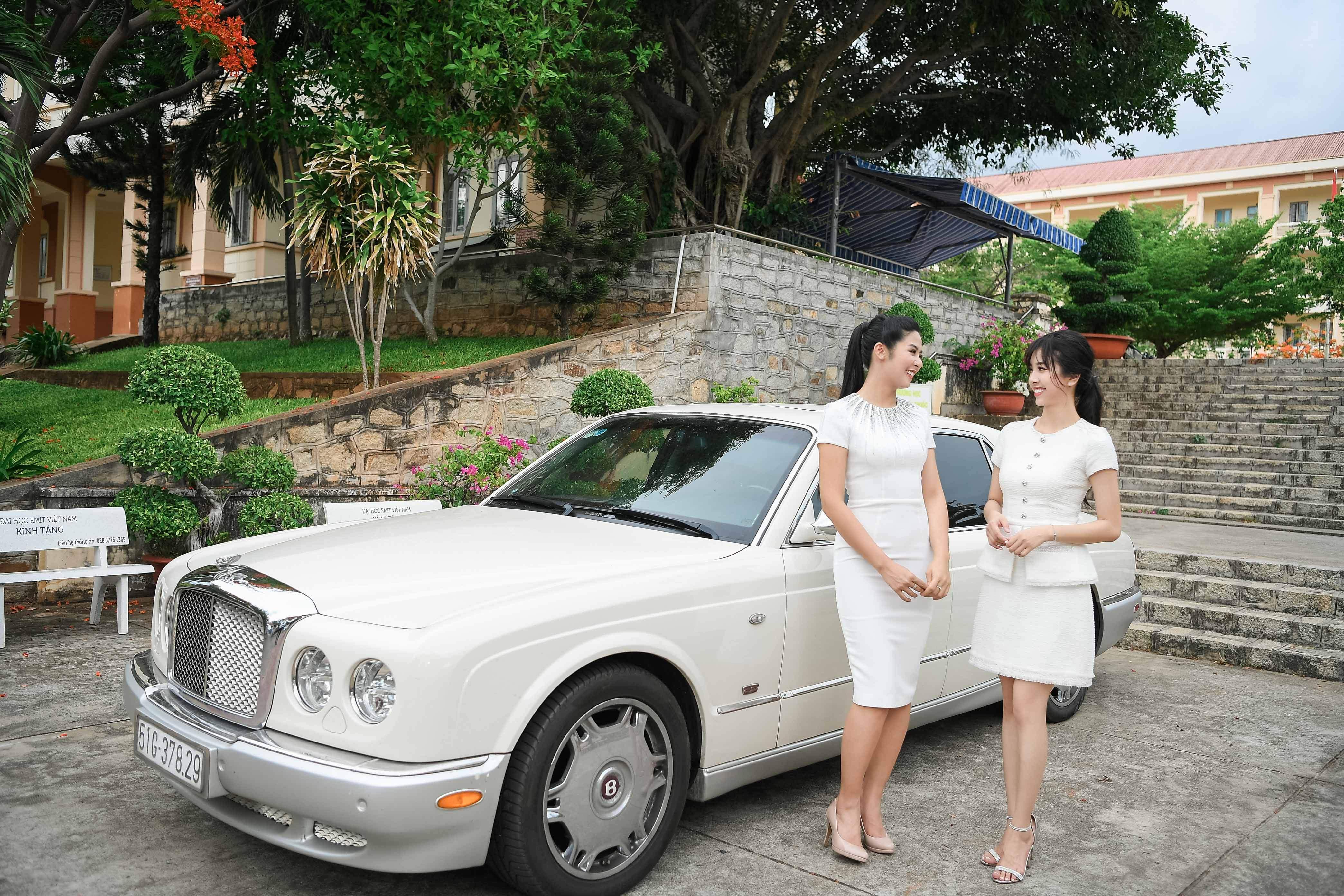 Bentley Arnage của ông Đặng Lê Nguyên Vũ lại có mặt tại Vũng Tàu để đưa đón người đẹp này 2