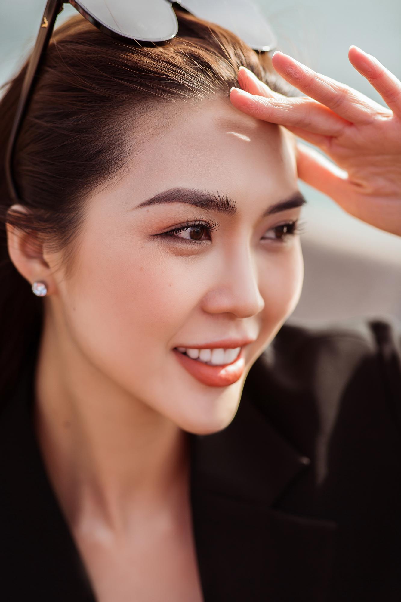 Hoa hậu Tường Linh phủ kín đồ hiệu dạo chơi tại Úc 6