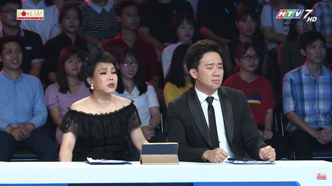 Miệt mài chạy show kiếm tiền mua nhà, Trấn Thành ngáp ngủ ngay trên sóng truyền hình 1