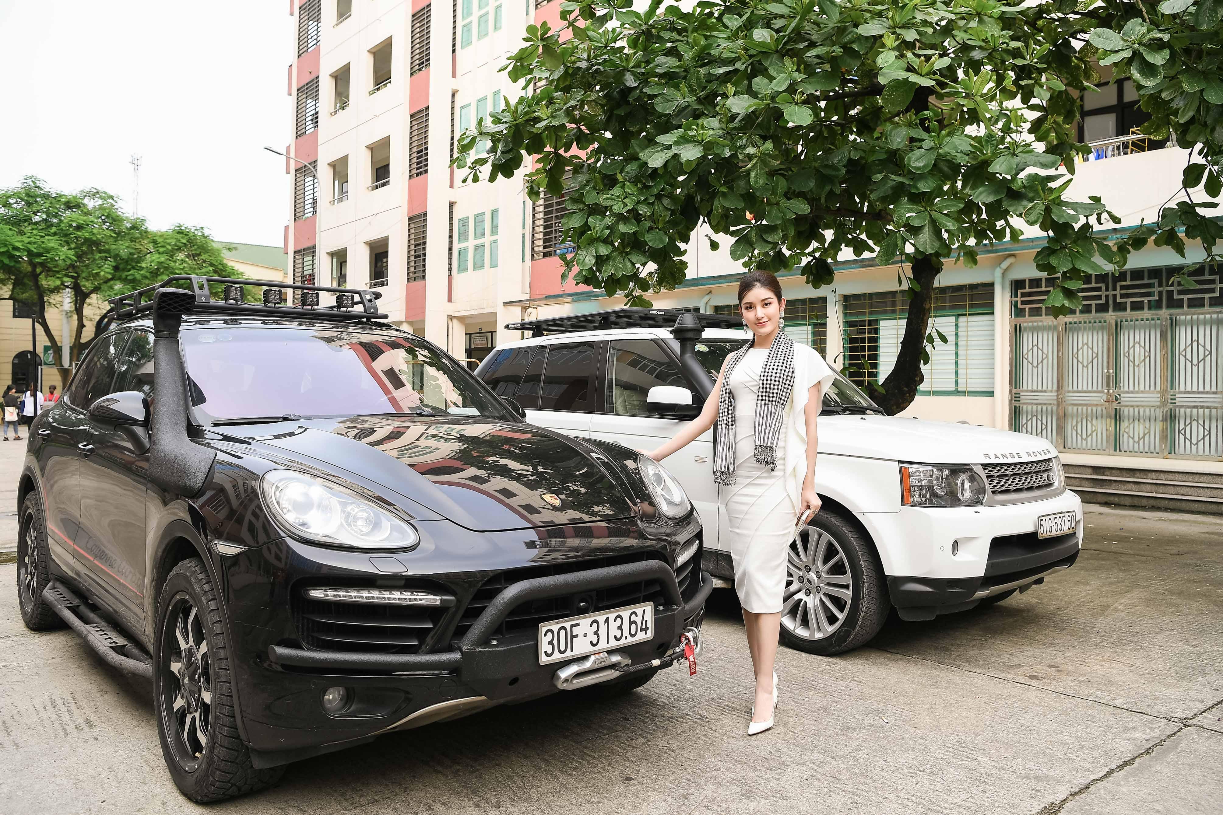 Xế sang của vua cafe Đặng Lê Nguyên Vũ đưa 'Quỳnh búp bê' đi sự kiện 1