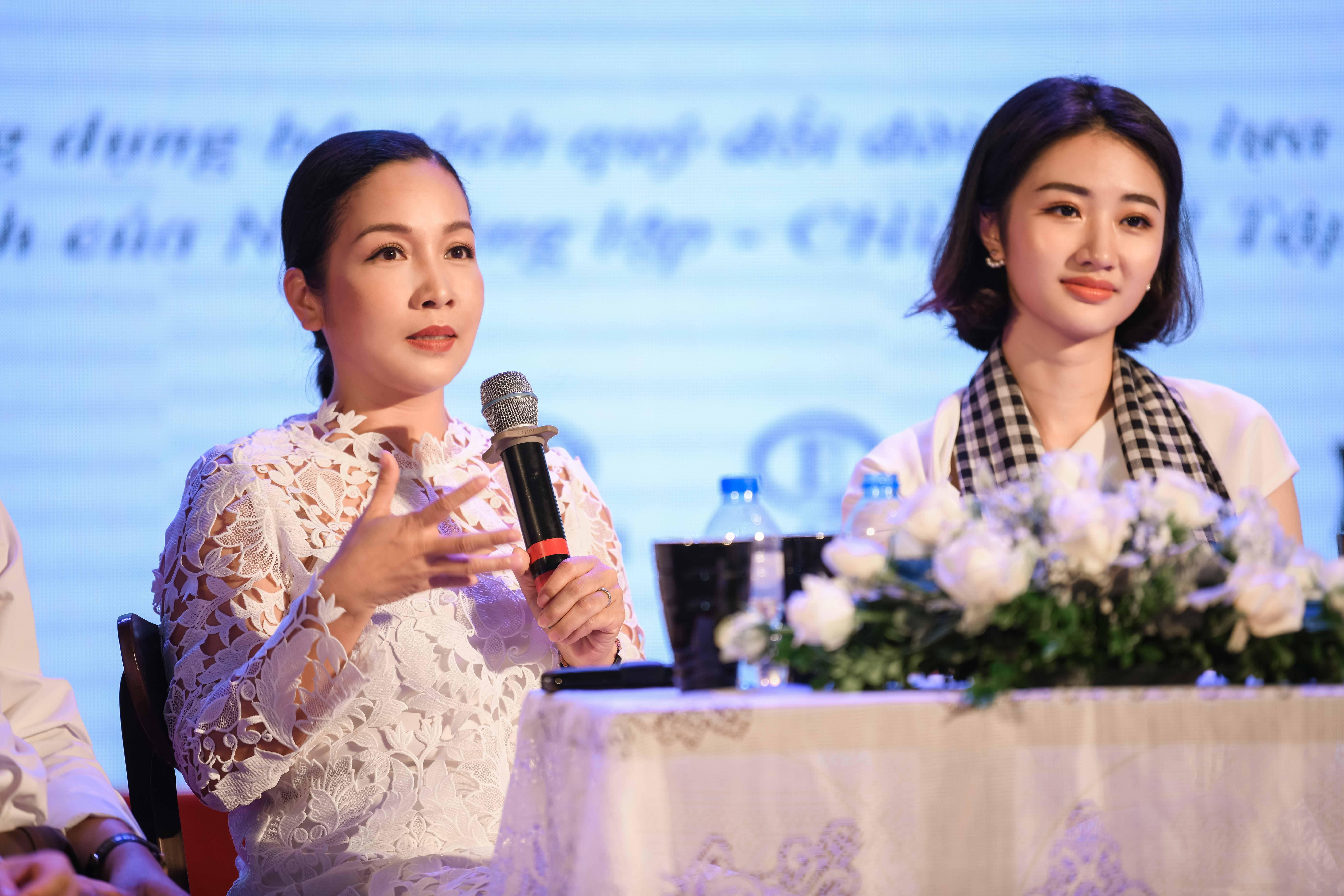 Xế sang của ông Đặng Lê Nguyên Vũ 'hộ tống' hoa hậu Thu Ngân về quê đi sự kiện 2
