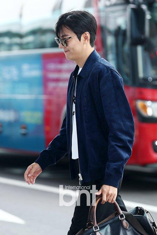 Lee Min Ho gây náo loạn sân bay bởi phong thái ngút trời 4