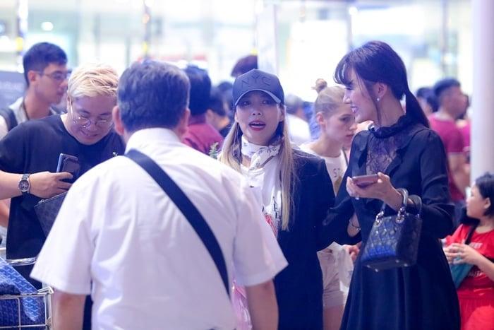 Vợ chồng Hari Won Trấn Thành ra tận sân bay để đón nhân vật quyền lực này 1