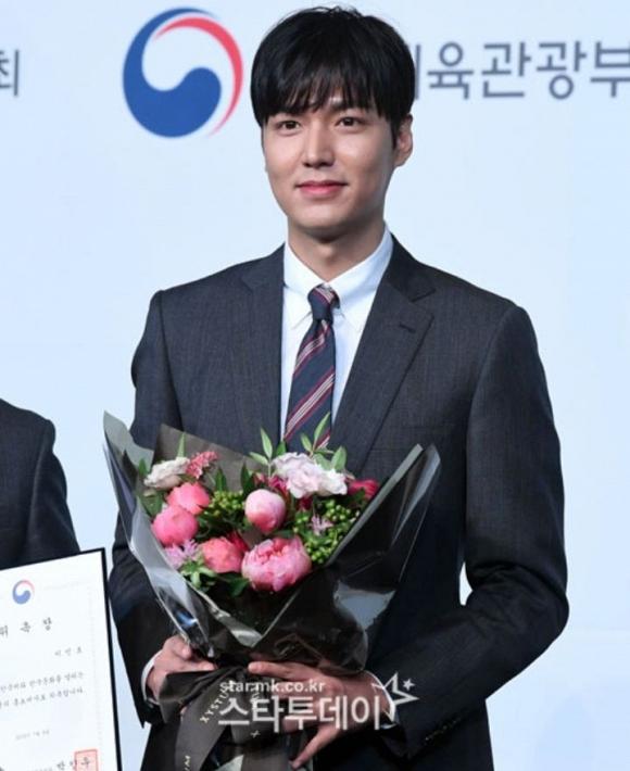Lee Min Ho điển trai như nam thần trong lần đầu dự sự kiện sau khi xuất ngũ 4