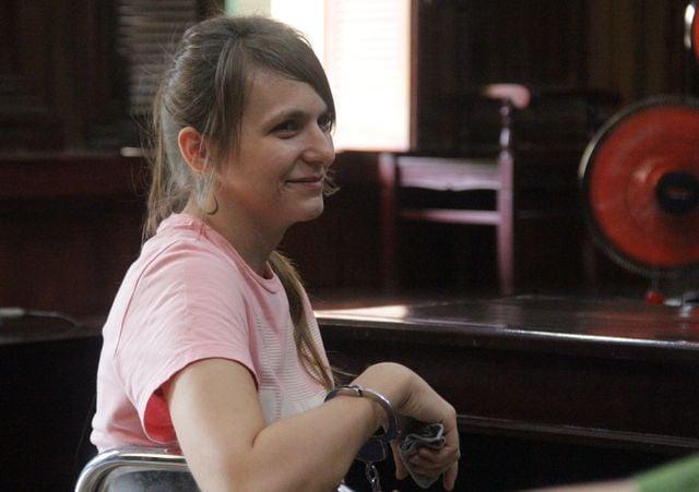 Hot girl người Nga cầm đầu đường dây mại dâm cao cấp tại Sài Gòn lĩnh án 3 năm tù 1