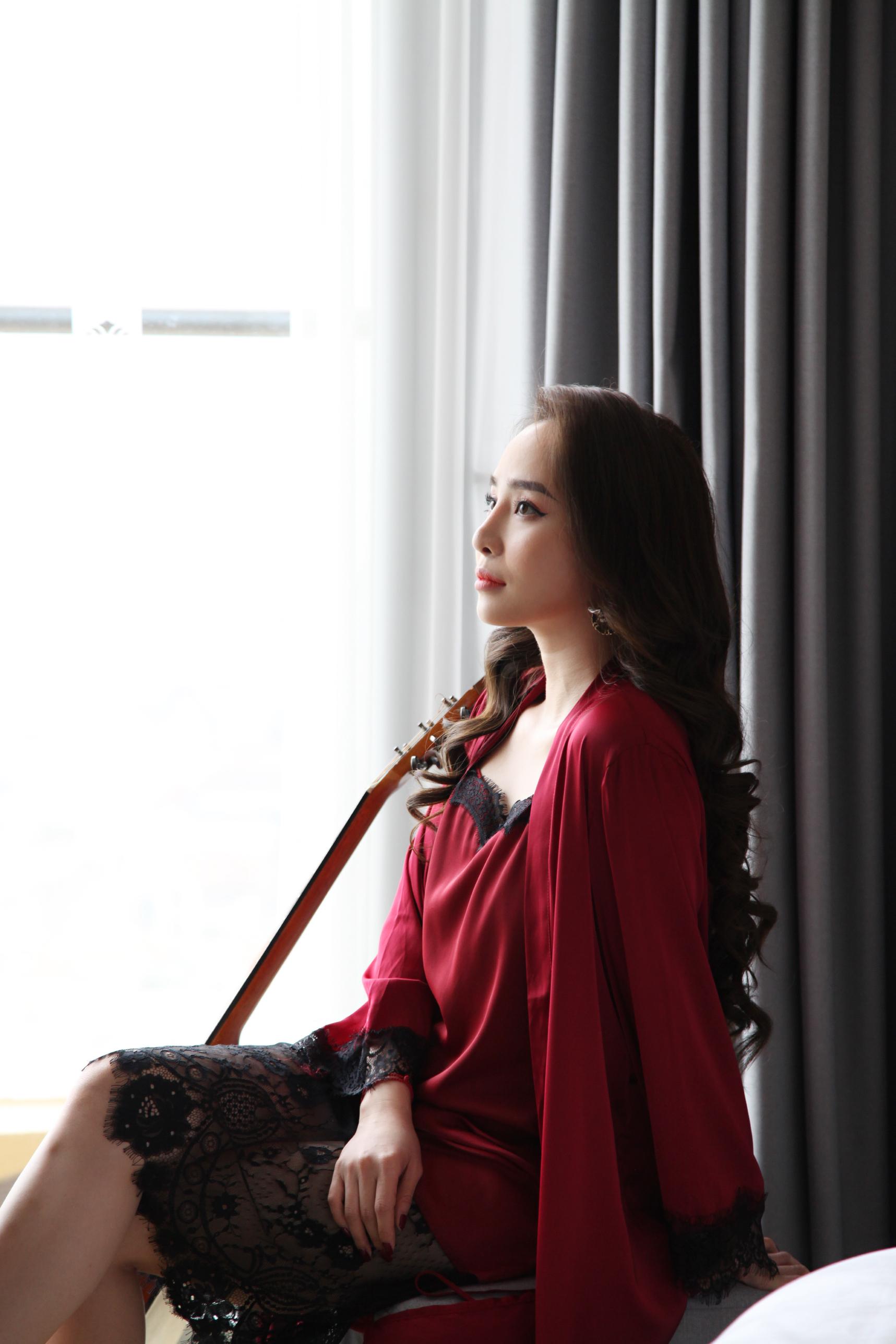 Quỳnh Nga kể chuyện suýt ngã 'sấp mặt' vì hôn Quốc Trường trong Về nhà đi con 2