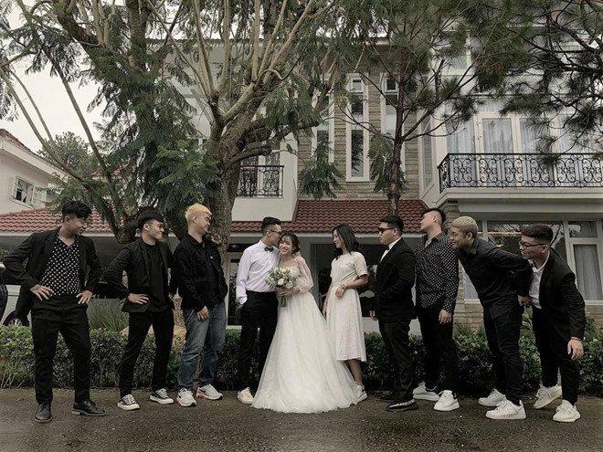 Minh Nhựa mang siêu xe, hộ tống con gái cưng đi chụp ảnh cưới 1