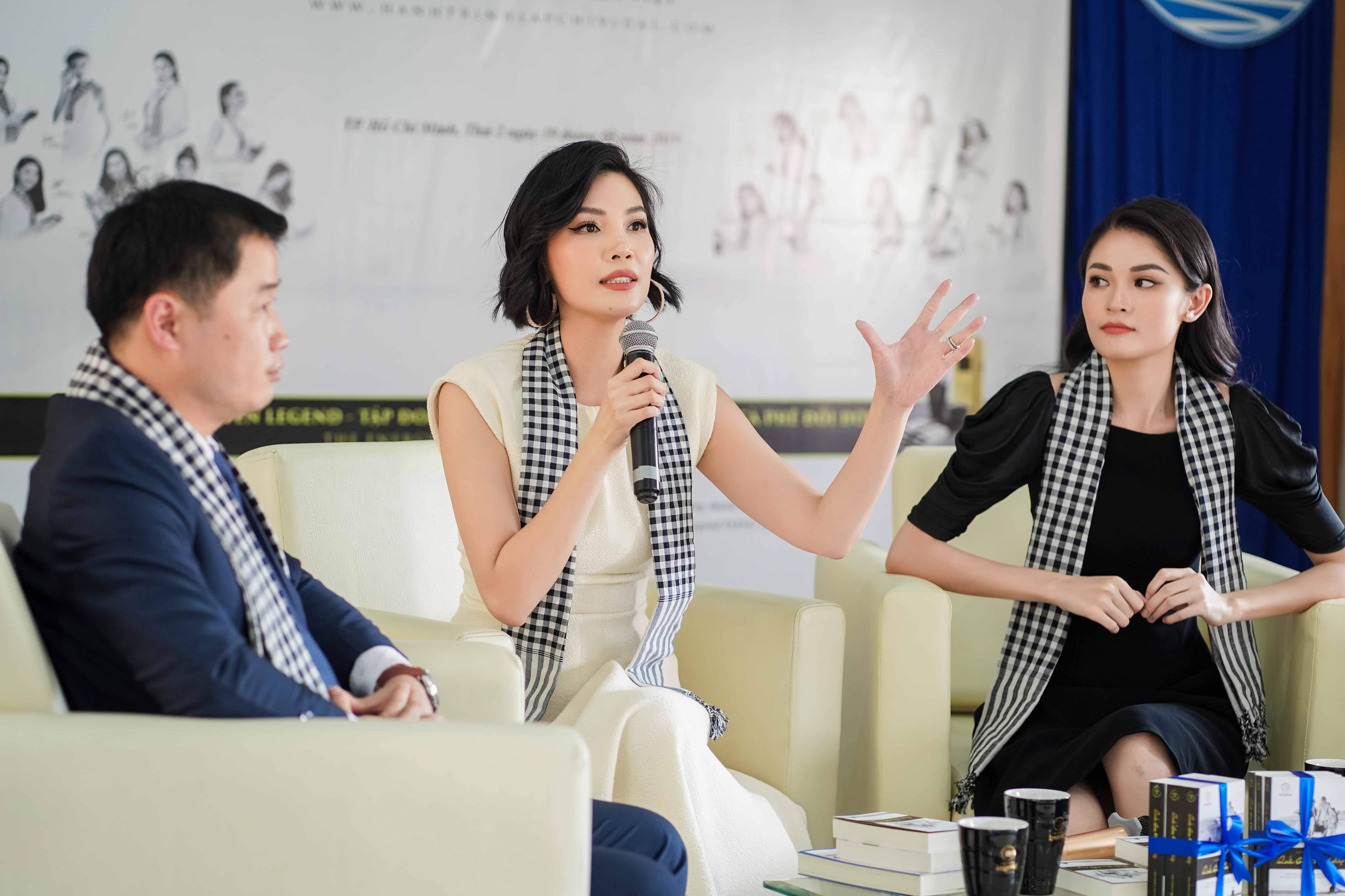 Siêu mẫu Vũ Cẩm Nhung được xế sang của vua cafe Đặng Lê Nguyên Vũ đưa đón đi sự kiện 4