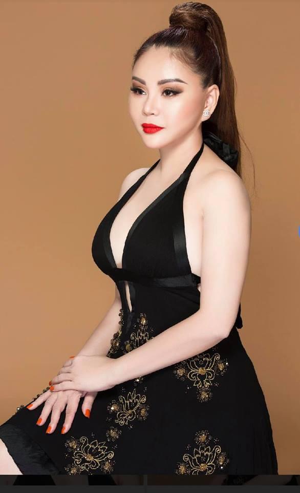 Ái nữ của danh hài được Hoài Linh đòi cưới khoe mặt mộc của hai mẹ con 2