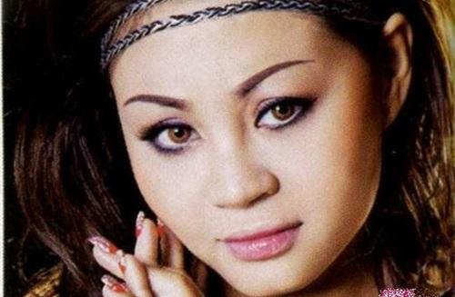 Nhan sắc 'chim sa cá lặn' khi chưa dao kéo của nữ danh hài được Hoài Linh đòi cưới 4