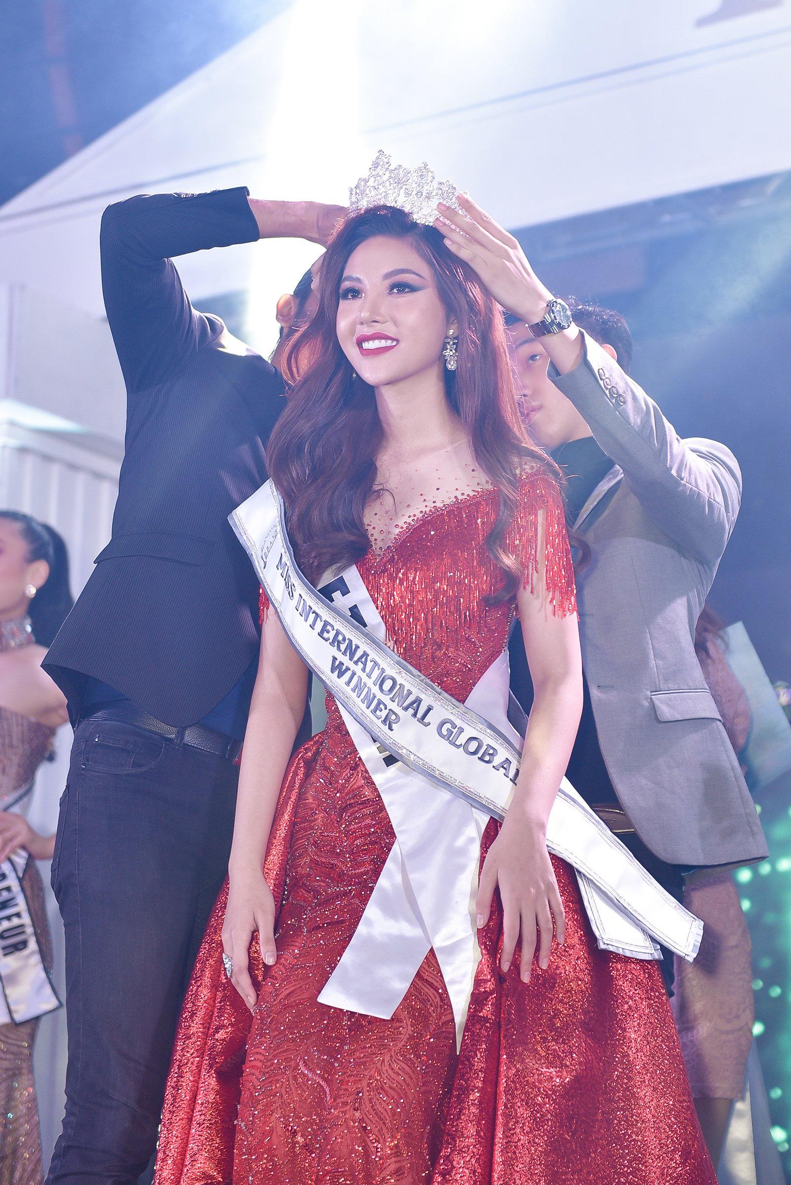 Mỹ nhân Bạc Liêu đăng quang Hoa hậu quốc tế toàn cầu 2019 1