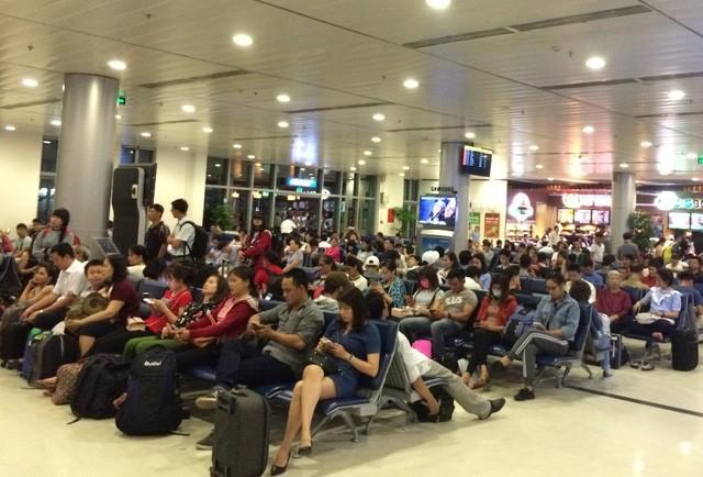 Sân bay Tân Sơn Nhất ngưng phát thông tin chuyến bay tại ga quốc nội 1