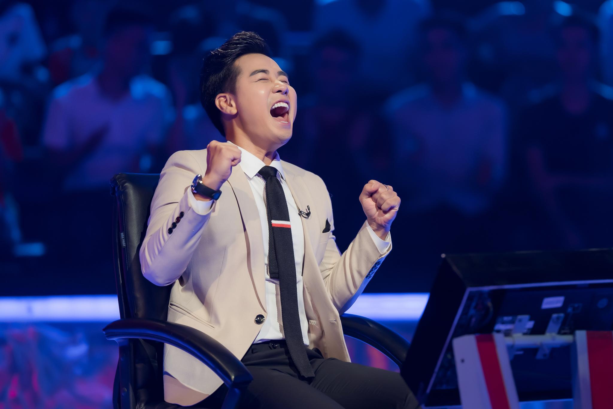 Phan Đăng ngỡ ngàng lần đầu bị 'cướp mic' trên sân khấu Ai là triệu phú 3