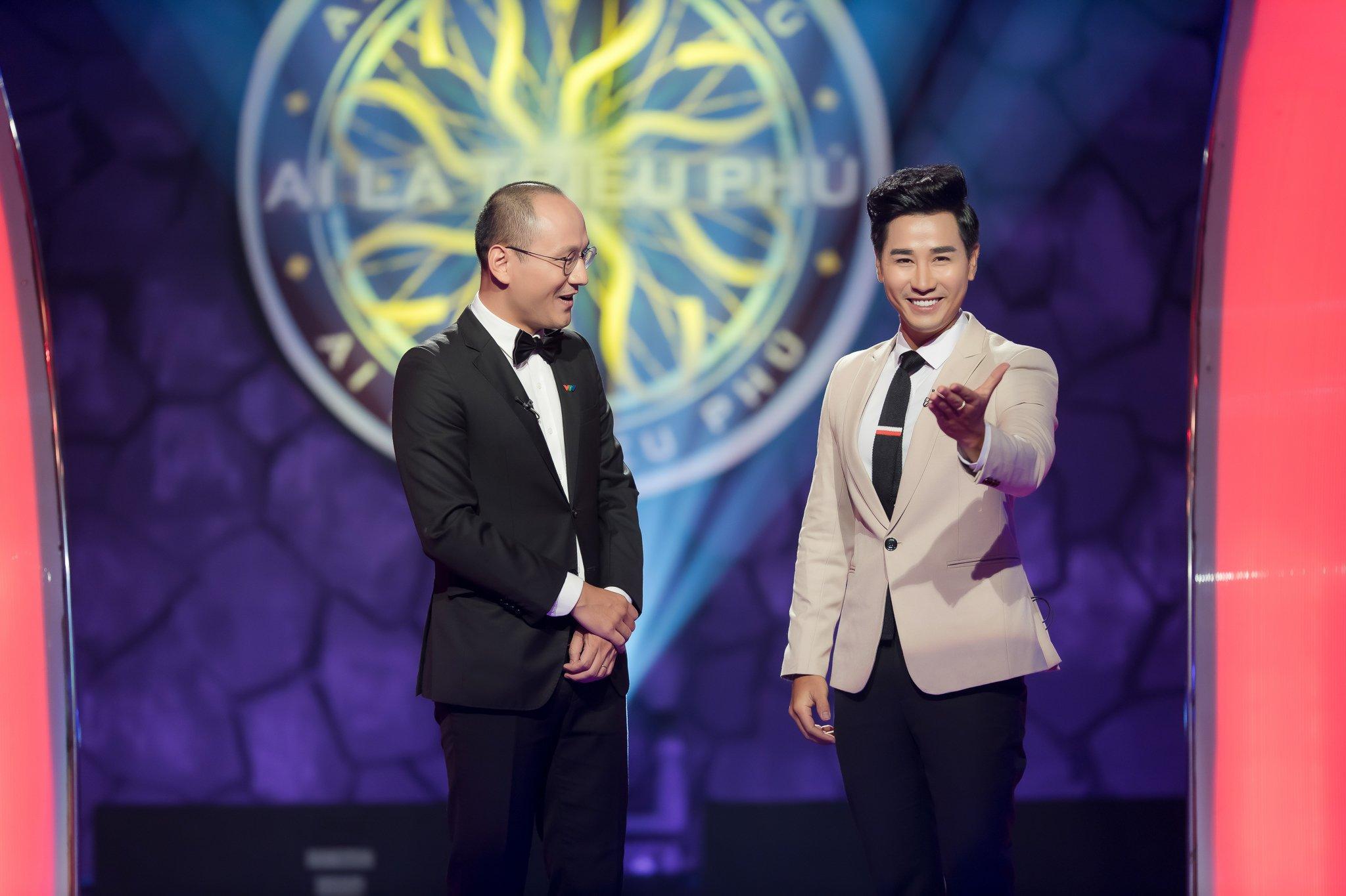 Phan Đăng ngỡ ngàng lần đầu bị 'cướp mic' trên sân khấu Ai là triệu phú 1