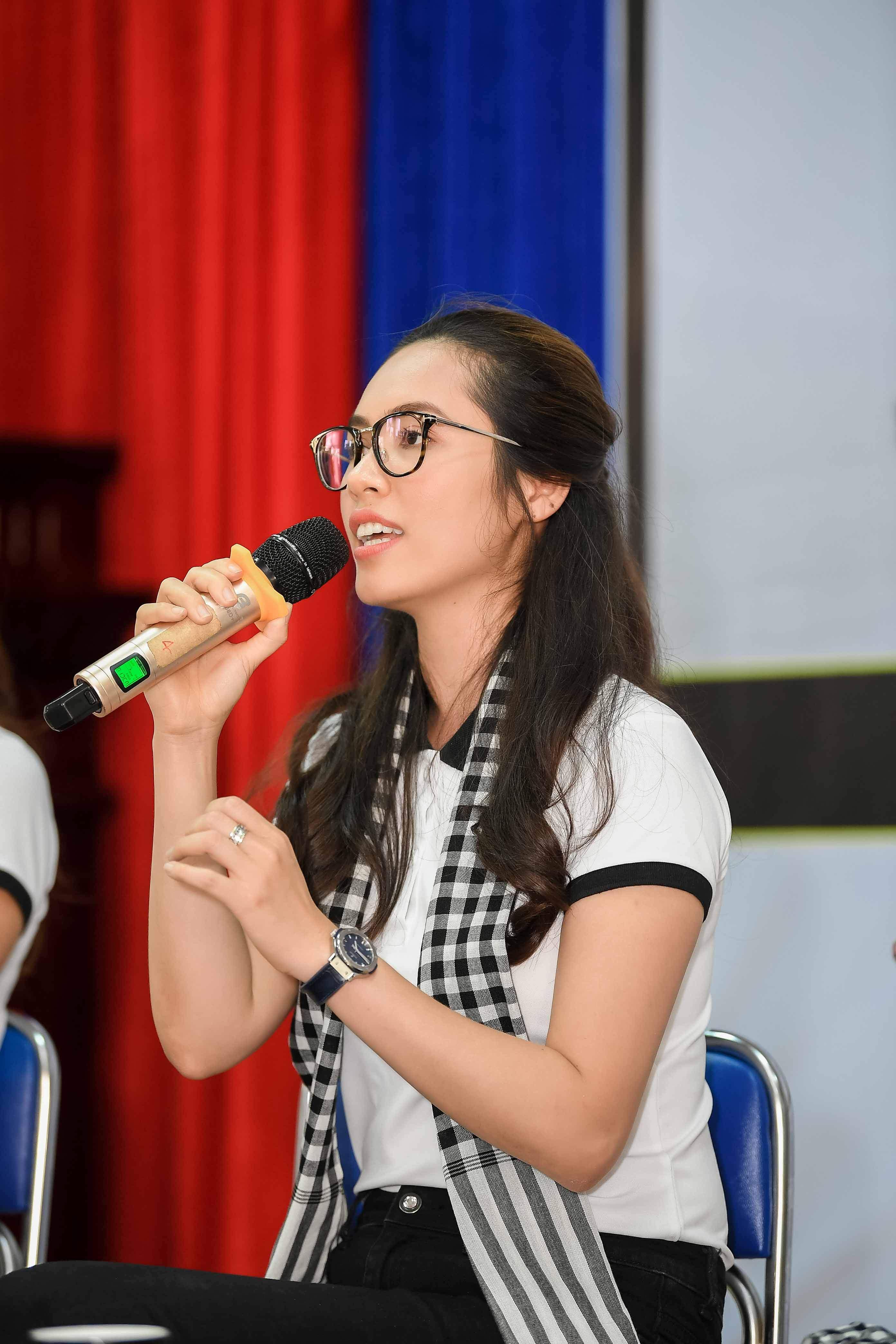 Xe sang của ông Đặng Lê Nguyên Vũ đưa đón Hoa hậu đẹp nhất Châu Á tại Cà Mau 10