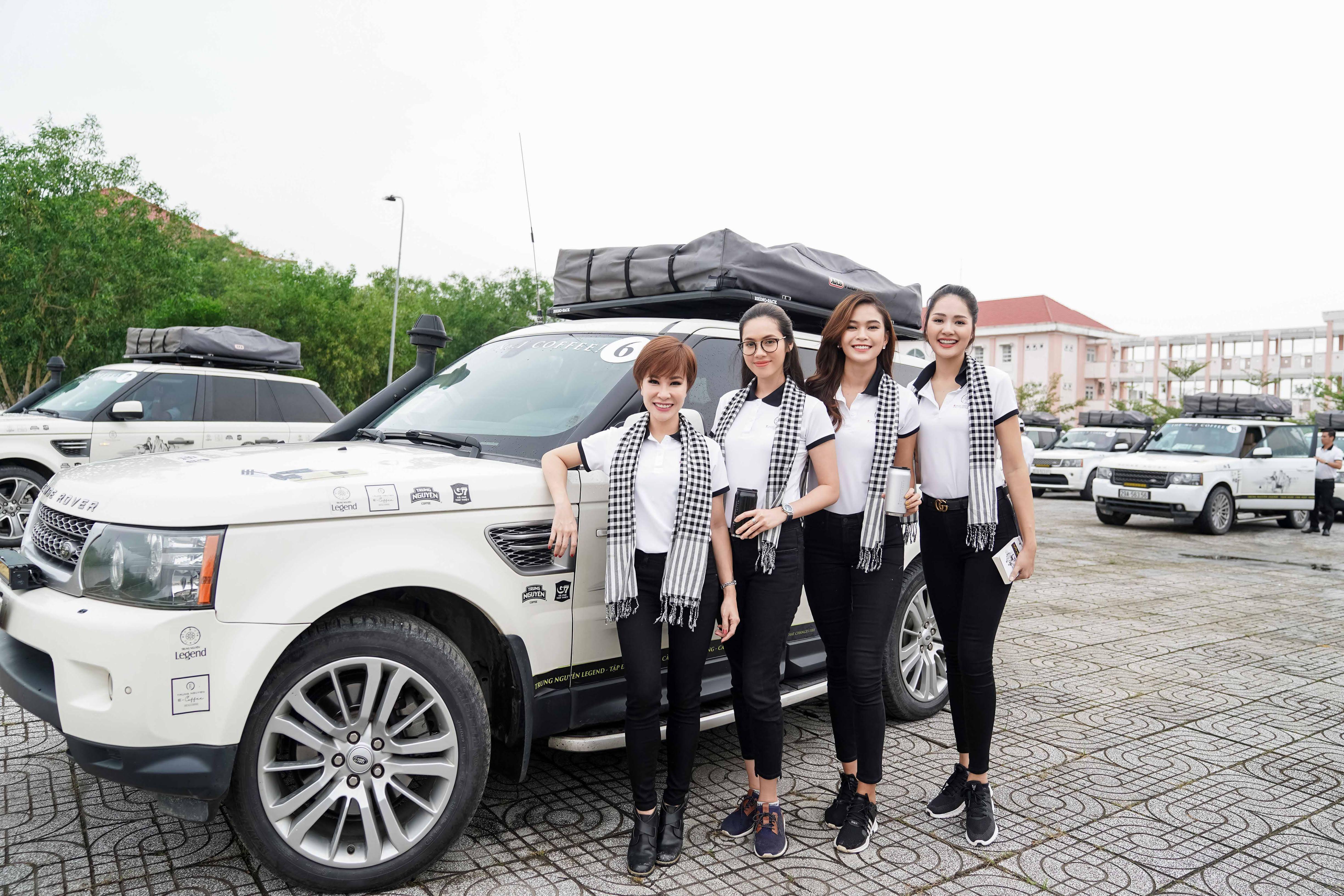 Xe sang của ông Đặng Lê Nguyên Vũ đưa đón Hoa hậu đẹp nhất Châu Á tại Cà Mau 2