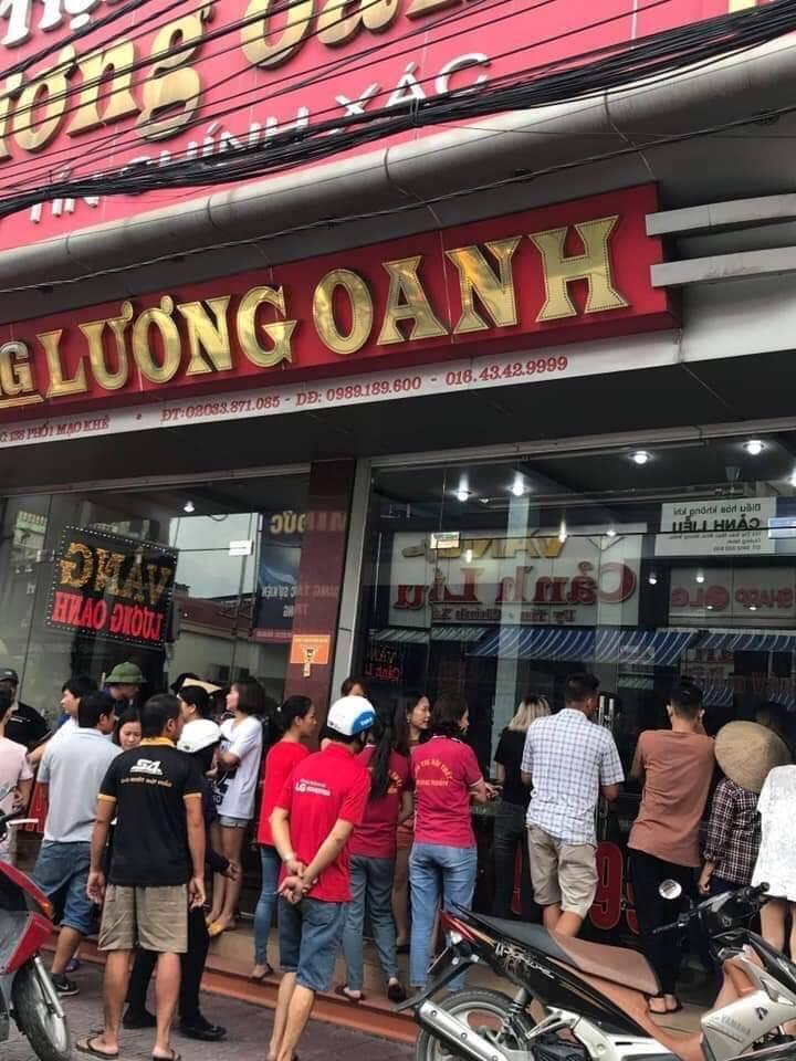 Nóng: Tên cướp táo tợn nổ súng, cướp tiệm vàng tại Quảng Ninh 2