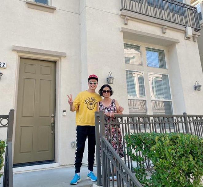 Nhật Tinh Anh mua nhà hơn 1 triệu USD bên Mỹ tặng bố mẹ 1