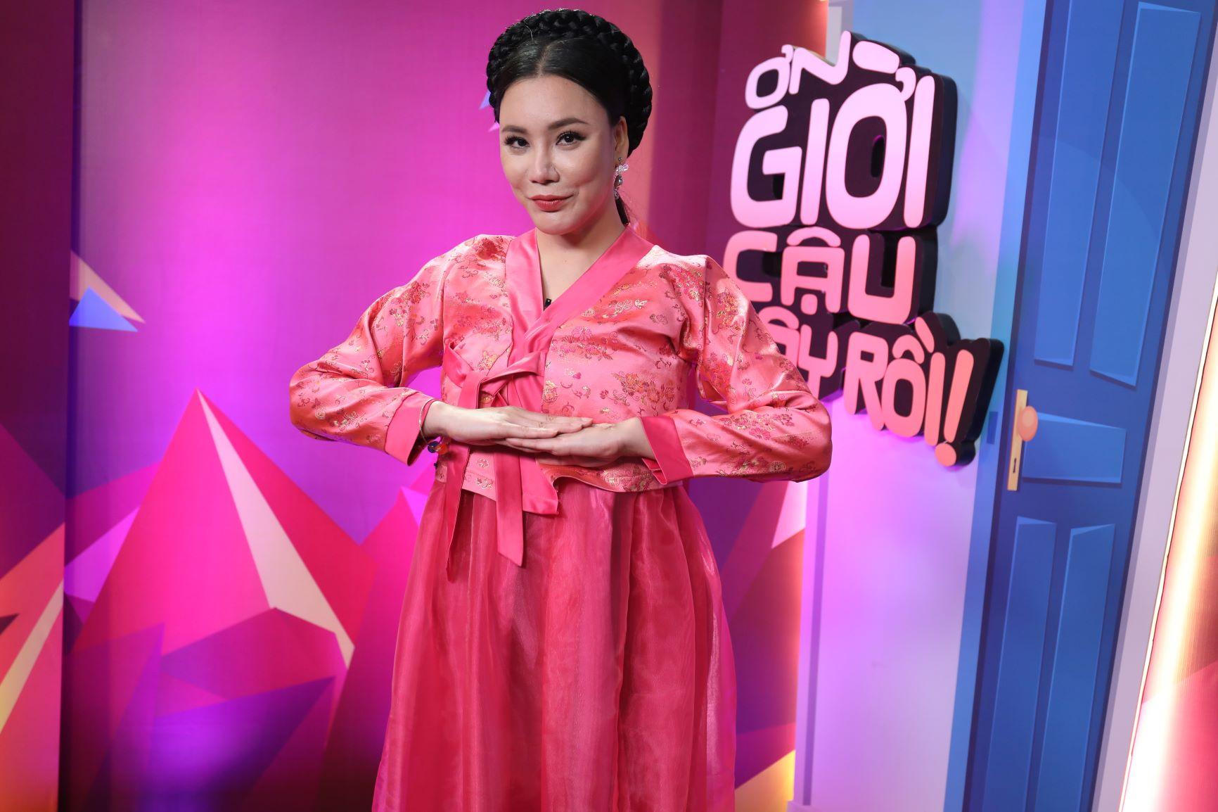 Trên sân khấu Ơn giời, Trường Giang hé lộ Hồ Quỳnh Hương là người mình từng theo đuổi 2