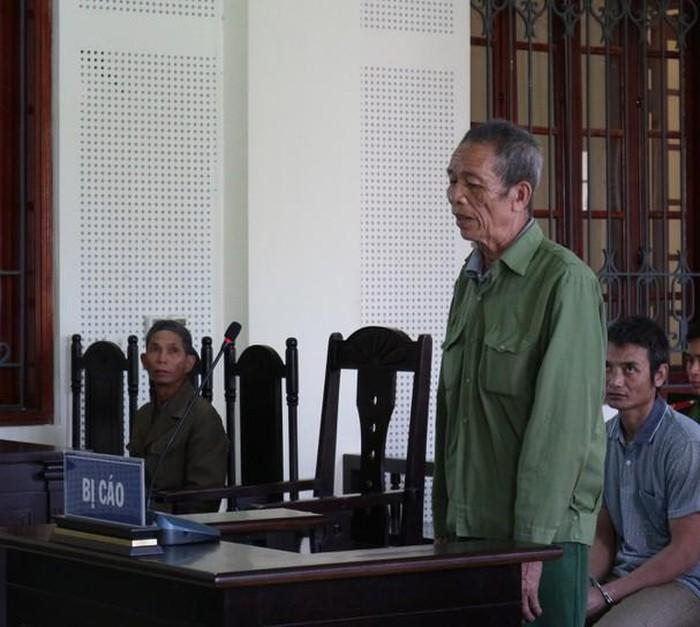 Cha già 80 tuổi chém con trai tử vong vì bị xúc phạm 1