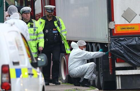 Vụ 39 thi thể trong xe tải: ĐSQ Việt Nam tại Anh cập nhật thông tin mới nhất 1