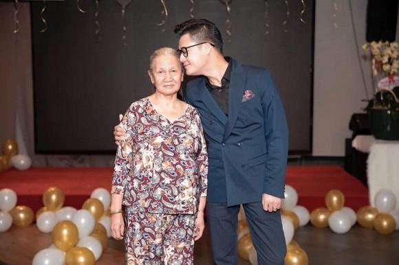 Dòng tâm sự đầy xúc động của ca sĩ Quang Dũng về mẹ 2