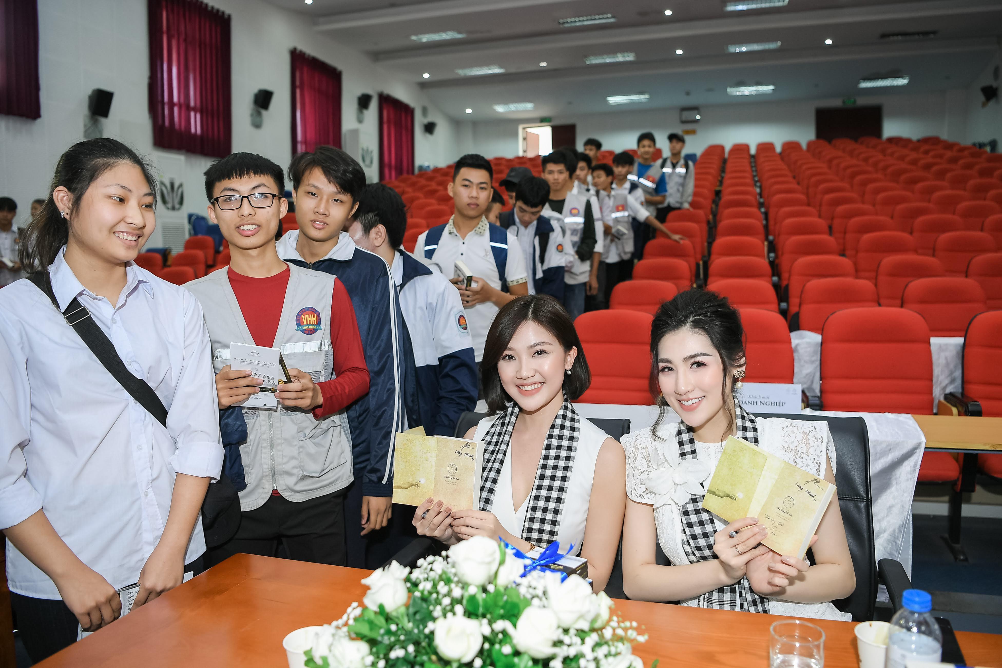 'Tiểu tam Trà' Lương Thanh đọ sắc bên Á hậu Tú Anh 2