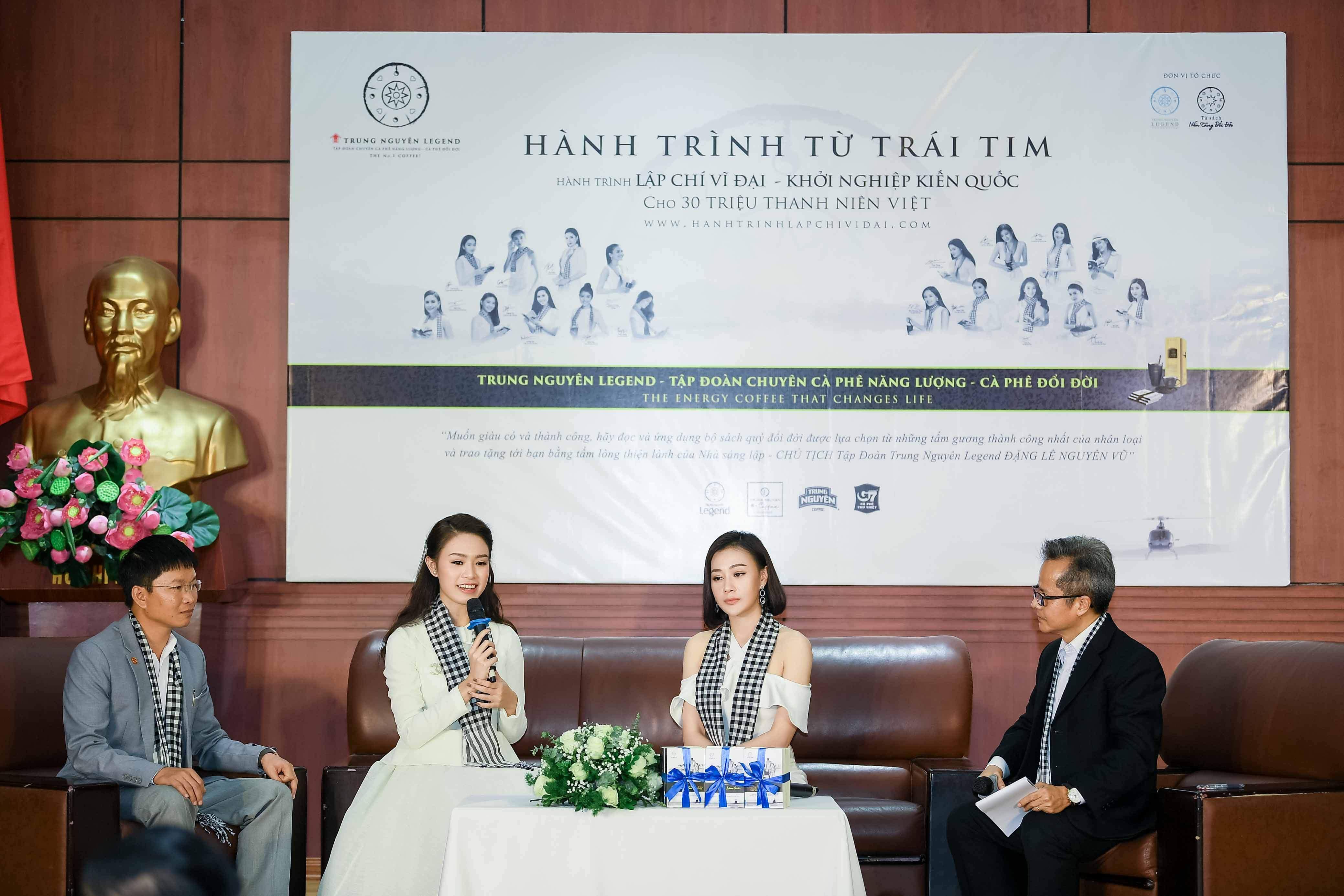 'Quỳnh búp bê' đi sự kiện bằng xế sang của vua cafe Đặng Lê Nguyên Vũ 5