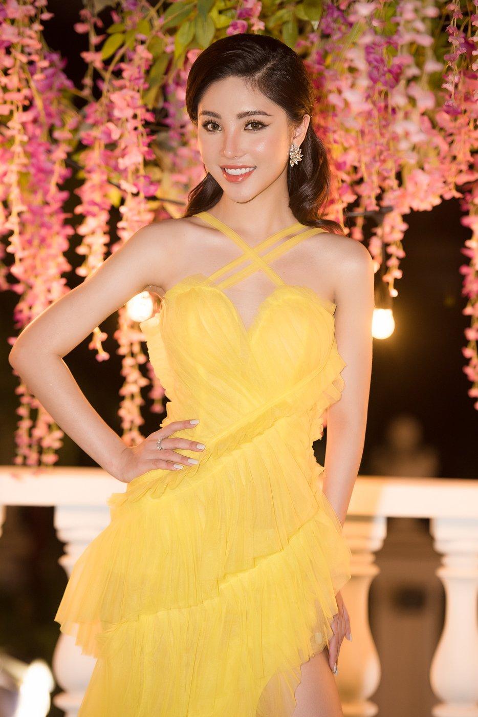 Tân Hoa hậu sinh năm 99 Mỹ Huyền khoe dáng nóng bỏng đi sự kiện 3