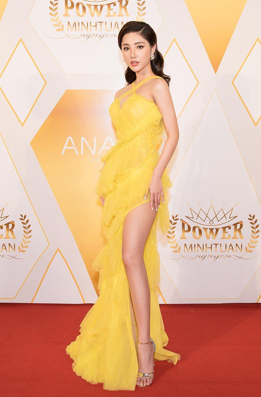 Tân Hoa hậu sinh năm 99 Mỹ Huyền khoe dáng nóng bỏng đi sự kiện 1