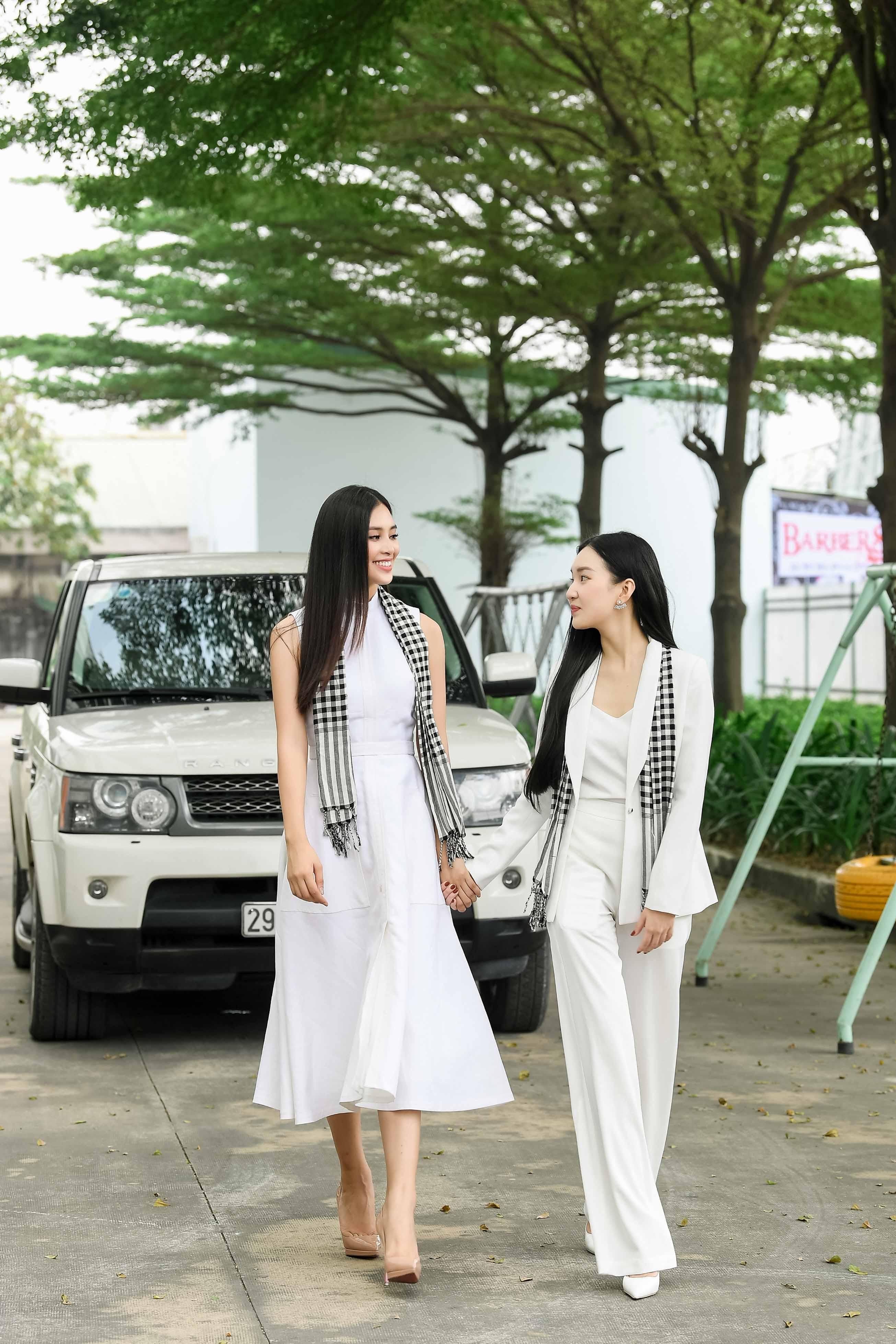 Dàn siêu xe của vua cafe Đặng Lê Nguyên Vũ hộ tống Hoa hậu Tiểu Vy đến Bình Dương 2