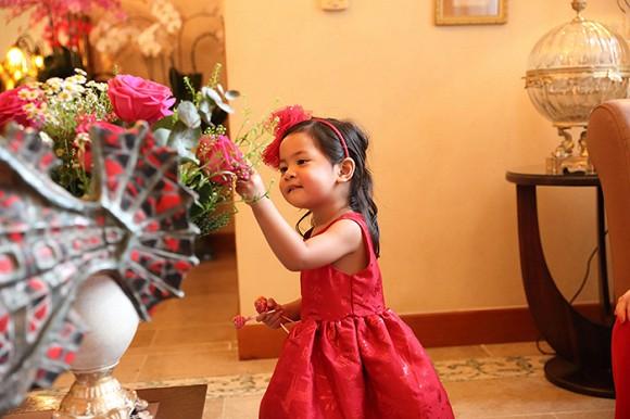 Hé lộ cô con gái nhỏ đáng yêu của siêu mẫu Vũ Cẩm Nhung 1