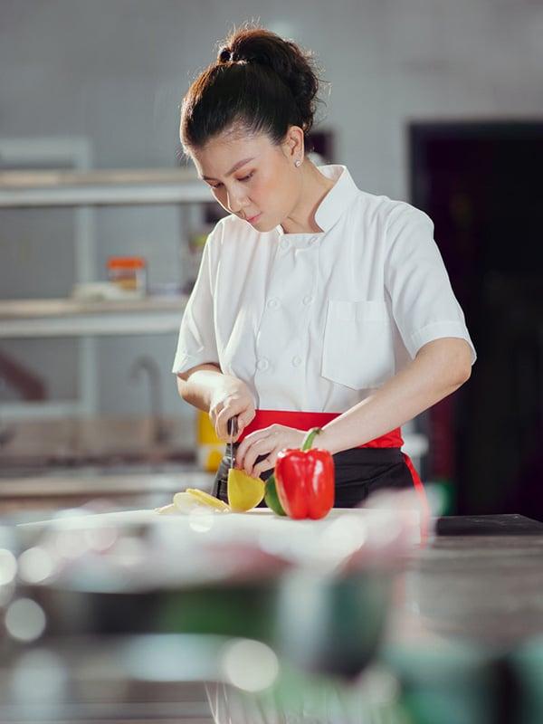 Kim Thư mở nhà hàng riêng, có bạn trai mới sau 7 năm ly hôn Phước Sang 2
