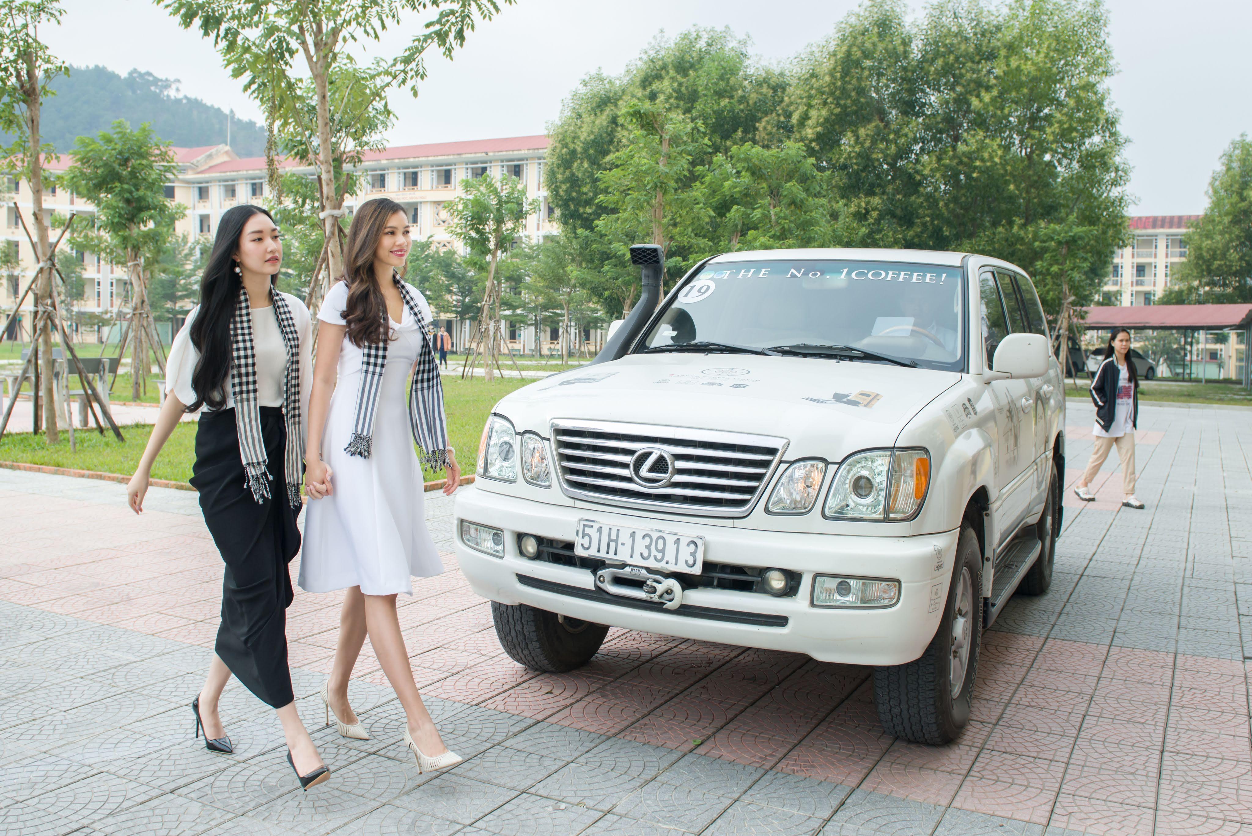 Lexus của vua cafe Đặng Lê Nguyên Vũ đưa đón 'Nàng thơ xứ Huế' Ngọc Trân 2