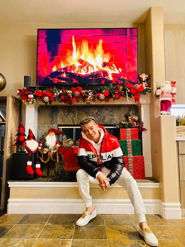 Biệt thự của Đàm Vĩnh Hưng bên Mỹ được trang trí lộng lẫy đón Giáng sinh 6
