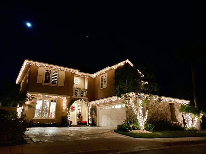 Biệt thự của Đàm Vĩnh Hưng bên Mỹ được trang trí lộng lẫy đón Giáng sinh 1