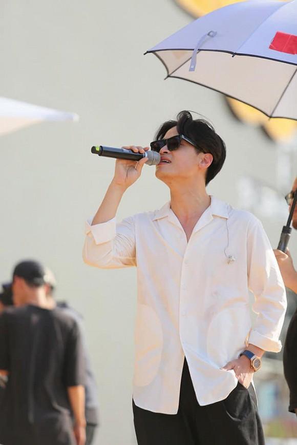 Hà Anh Tuấn bất ngờ bị tung ảnh chụp lén, fan lập tức gọi tên Mỹ Tâm, Thanh Hằng 2
