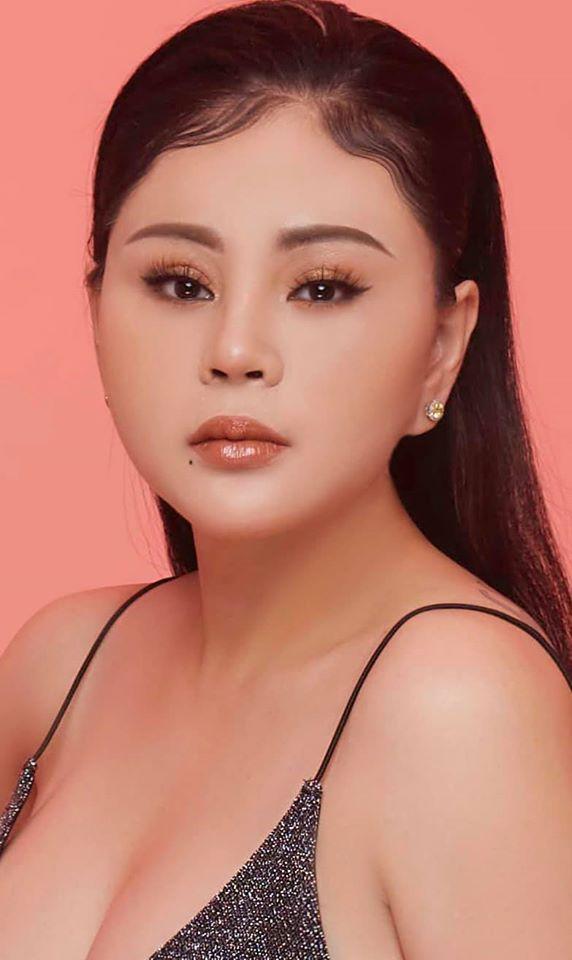 Nữ danh hài được Hoài Linh đòi cưới khoe ảnh mới 'vạn người mê' ở tuổi U50 1