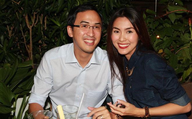 Tăng Thanh Hà khoe vẻ đẹp vạn người mê trong tiệc cuối năm của công ty bố chồng 5