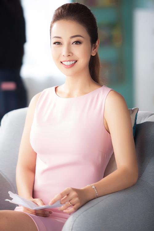 Jennifer Phạm lần đầu khoe con gái thứ 4 2