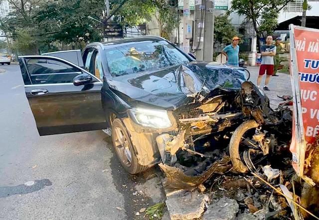 Khởi tố, bắt tạm giam tài xế tông 2 người thương vong gần sân bay Tân Sơn Nhất 1