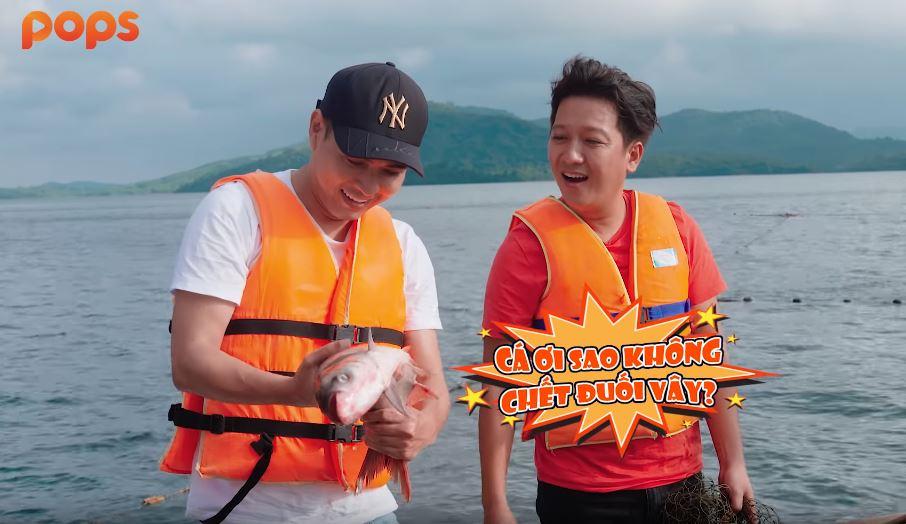 Hồ Quang Hiếu trổ tài 'săn cá' cùng Trường Giang giữa đảo hoang 1