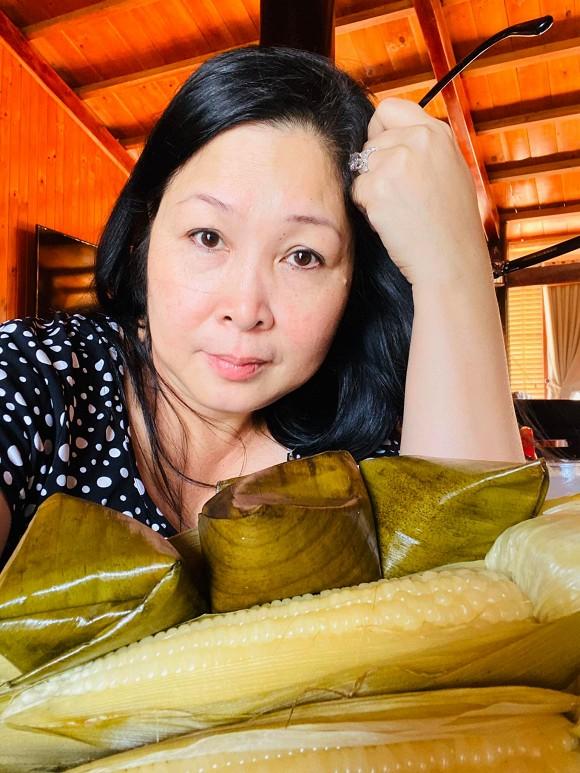 NSND Hồng Vân chia sẻ món quà ngày lễ tình nhân 20 năm như một 2