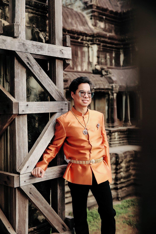 Ngọc Sơn đi Campuchia cầu an dịp đầu năm 5