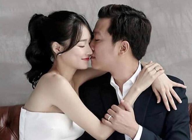 Cặp đôi Trường Giang - Nhã Phương 'vượt mặt' Trấn Thành - Hari Won chỉ với điều này 1