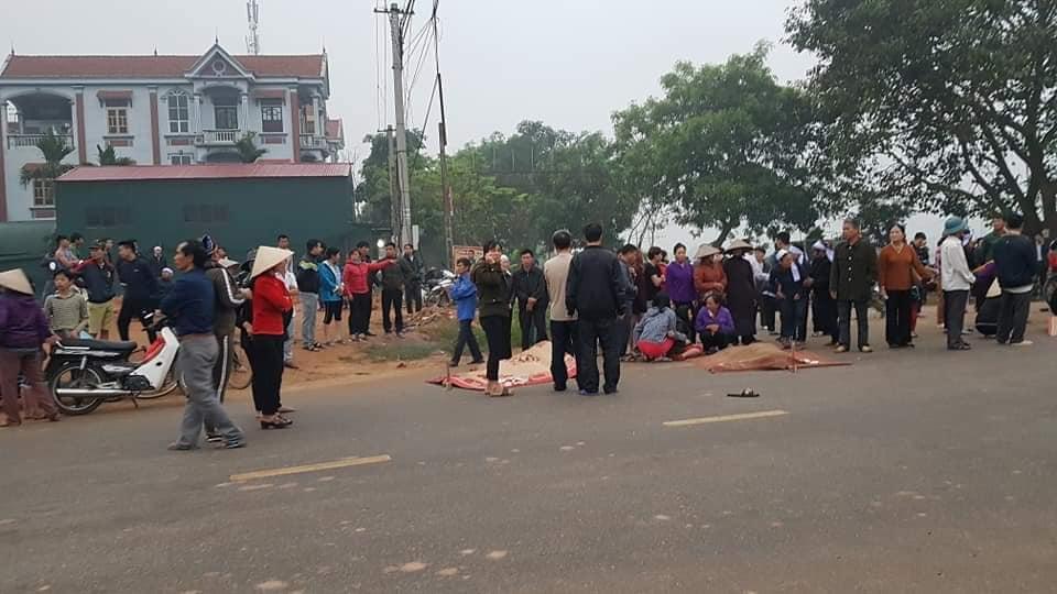 Nguyên nhân ban đầu vụ tai nạn xe khách tông đoàn đưa tang khiến 7 người tử vong 2