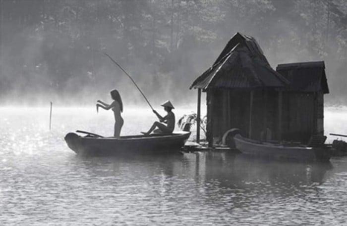 Sở TT&TT Lâm Đồng nói gì về việc đôi nam nữ chụp ảnh khỏa thân tại Đà Lạt? 1