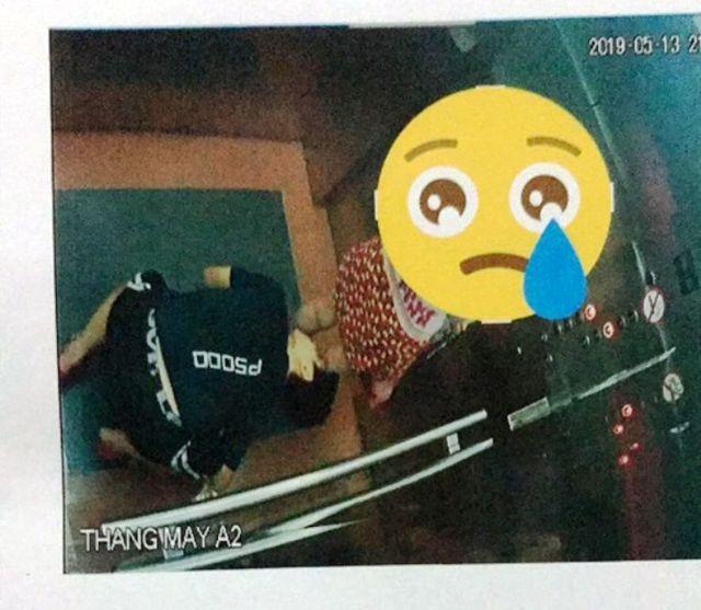 Công an Bình Định nói gì vụ thanh niên quỳ xuống sàn thang máy nhìn ngược váy bé gái? 1